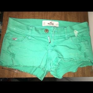 Hollister distressed shorts size 00